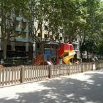 【スペイン、バルセロナのサンジュアン通の遊び場】